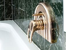Free Golden Water Tap Stock Photos - 18691393