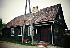Free Old Wooden House Royalty Free Stock Photo - 18698095