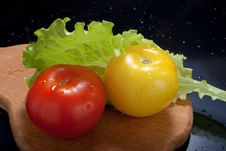 Free Ripe Tomatoes With Lettuce Stock Image - 18699251