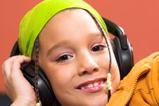 Free Child Listening Music Royalty Free Stock Photo - 1870945