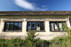 Free Old Facade With Broken Windows Royalty Free Stock Photography - 1873117
