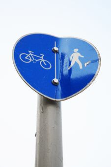Free Cyclist And Pedestrian Signage Royalty Free Stock Photos - 1877208