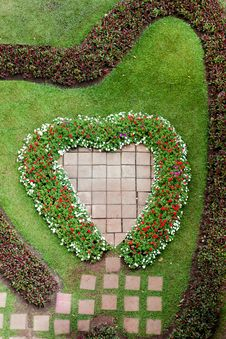 Free Heart Shape Garden Royalty Free Stock Photos - 18700838