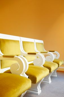 Free Row Of Yellow Armchairs. Royalty Free Stock Image - 18710396