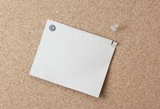 Free Sheet Of Paper Attached To A Pushpin Noticeboard. Royalty Free Stock Photos - 18710618