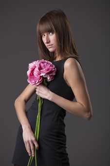 Free Fashion Woman With Flowers Stock Photos - 18713953