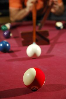 Free Person Playing Snooker Royalty Free Stock Photos - 18714458