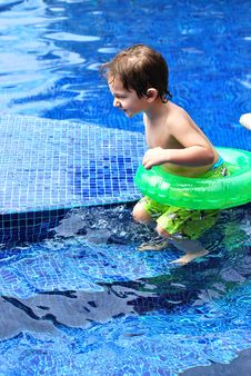 Free White Toddler Boy In A Pool With Tube Royalty Free Stock Photo - 18717085