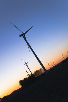 Free Wind Farm At Sunset Royalty Free Stock Image - 18724936