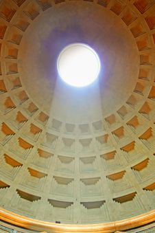 Free Pantheon With Sunlight Stock Photo - 18726500