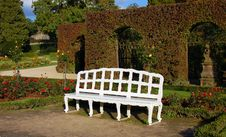 Free White Bench In Park Stock Photo - 18740130