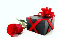 Free Gift Box With A Rose Royalty Free Stock Photos - 18742248