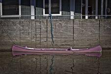 Free Purple Canoe Stock Photography - 18746082