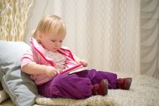 Free Adorable Baby Preparing To Sleep Royalty Free Stock Photography - 18747787