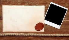 Free Old Paper With A Wax Seal Royalty Free Stock Images - 18749949