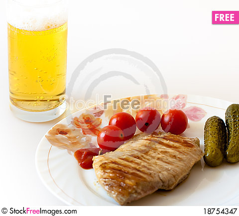 Free Grill Meat With Beer Royalty Free Stock Photography - 18754347