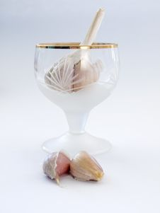 Free Garlic In The Glass Stock Image - 18754091