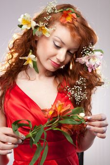 Free Beautiful Woman With Spring Flowers Royalty Free Stock Photos - 18761348