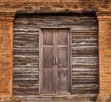 Free Old Wood Door Stock Photo - 18761940