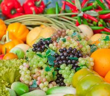 Free Fruit And Vegetable Royalty Free Stock Photos - 18762158