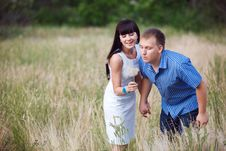 Free Couple With Dandelion Stock Images - 18767804