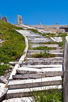 Free Old Rotten Stairs Royalty Free Stock Photography - 18770947