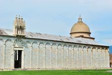 Free Baptistry Cathedral Of Pisa Royalty Free Stock Photo - 18771835