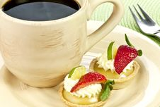 Free Key Lime Tarts And A Cup Of Coffee Royalty Free Stock Photos - 18773458
