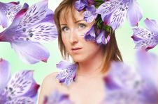 Free The Portrait Of A Women With Flower Stock Photography - 18774802