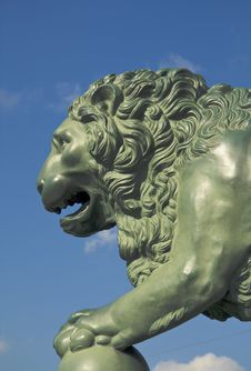 Free Bronze Lion Stock Photography - 18784052