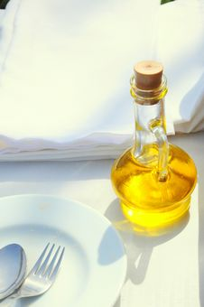 Free Olive Oil Royalty Free Stock Images - 18785379