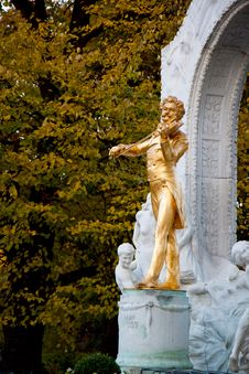 Free Golden Johann Strauss Royalty Free Stock Photo - 18786965