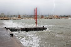 Free Pier Submerged By Water Royalty Free Stock Image - 18787556