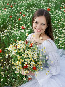 Free Girl With Daisy Bouquet Stock Image - 18795311