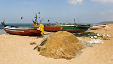 Free Fishing Boats Crows Beach And Sea Stock Photo - 18795600