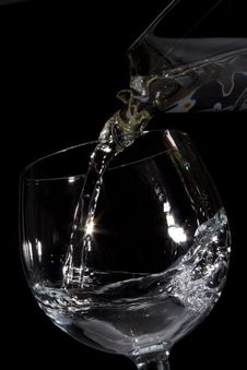 Free Water Pouring Into Glass Royalty Free Stock Image - 1880876