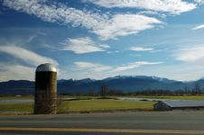 Free Grain Silo By The Road Royalty Free Stock Photos - 1881328