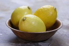 Free Bowl With Lemons Stock Photography - 1888722