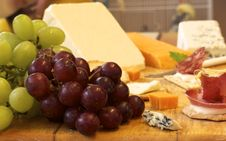 Free Selection Of Cheese And Crackers With Grapes Stock Images - 18800104