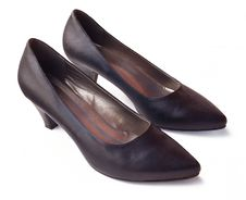 Free Pair Of Classic Womanish Black Shoes Royalty Free Stock Photo - 18800505