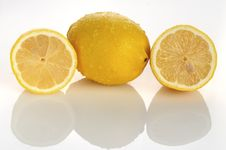 Free Two Half  Lemon Stock Images - 18800934