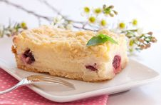 Free Fresh Cake With Cherry Stock Images - 18802714