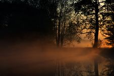 Free Dawned Near Pond Stock Photography - 18803292