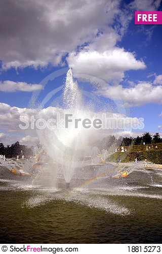 Free Fantastic Fountains Stock Photos - 18815273