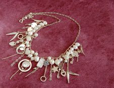 Free Silver Necklace With Pearls Royalty Free Stock Photography - 18810527
