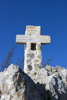 Free Cross On The Mountain (on Golgotha) Royalty Free Stock Photo - 18812095
