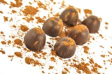 Free Chocolates Sprinkled With Cocoa, Royalty Free Stock Photos - 18812668