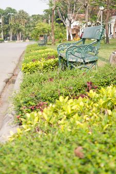 Free Bench In The Park. Royalty Free Stock Images - 18813829