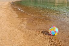 Free Ball On The Huge Beach Royalty Free Stock Photo - 18825885