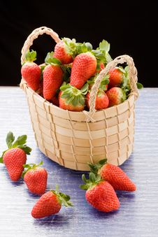 Strawberries Inside A Basket Royalty Free Stock Photography
